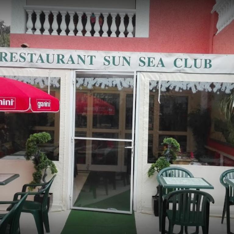 Extérieur et devanture du restaurant Sun Sea Club