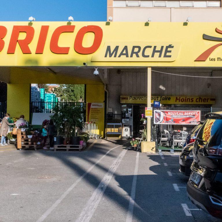 Devanture du Brico-Marché de Saint-Laurent-du-Var
