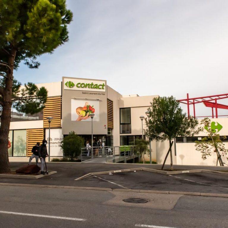 Extérieur du magasin Carrefour Contact de Saint Laurent du Var