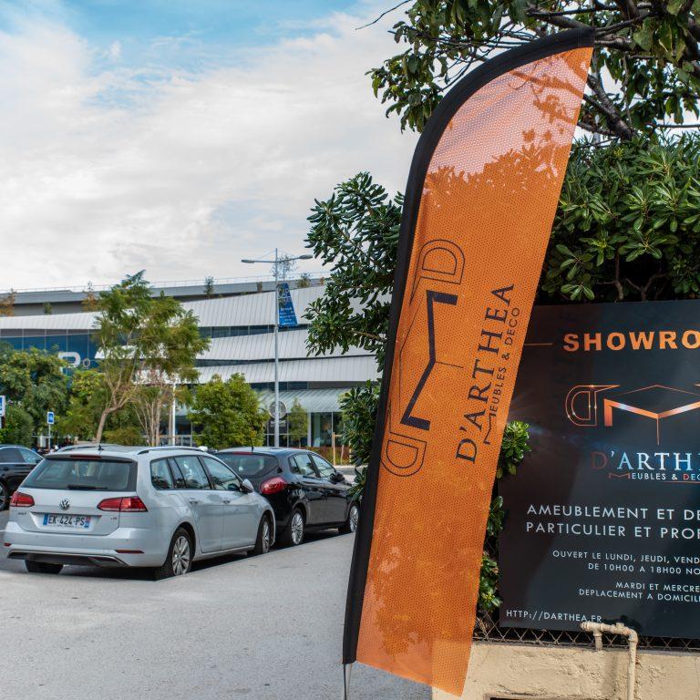 Affiche du ShowRoom d'Arthéa Meubles et déco
