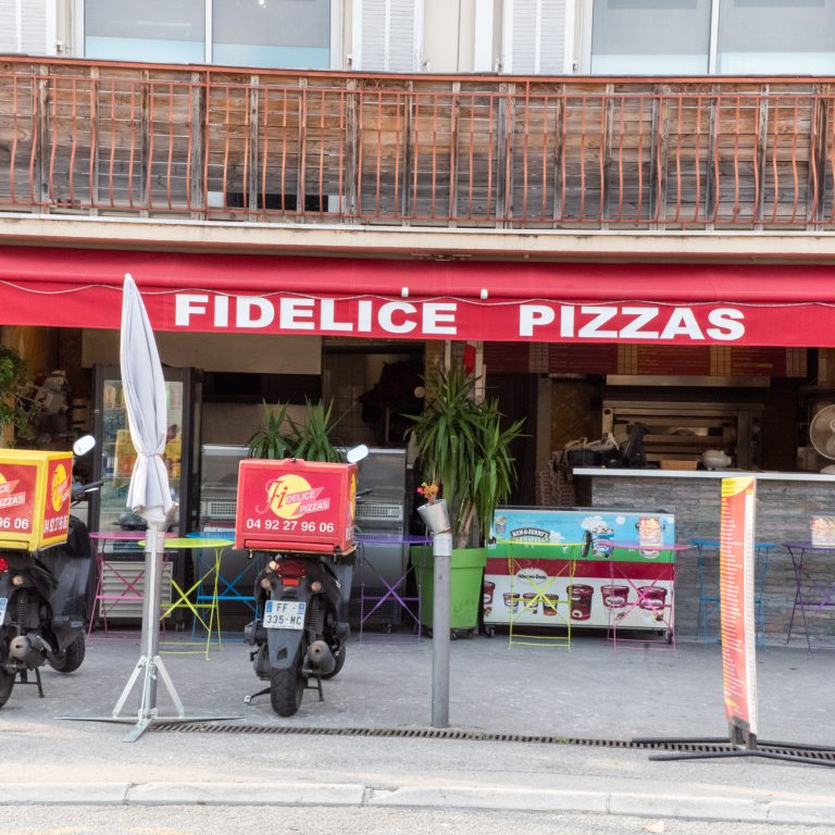Devanture du restaurant Fidelice Pizza