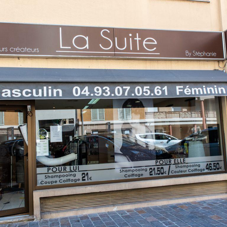 Devanture du coiffeur La Suite by Stéphanie