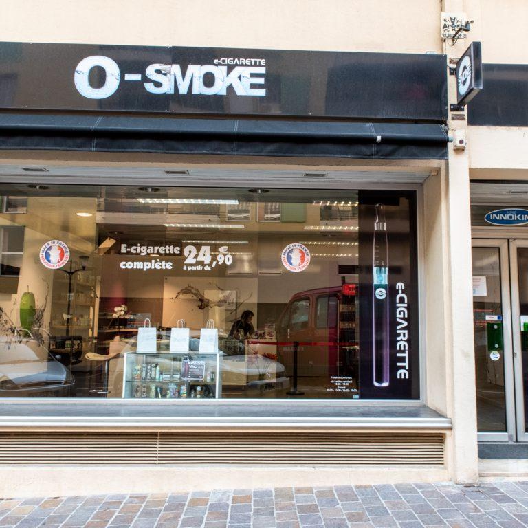 Devanture du magasin O'smoke