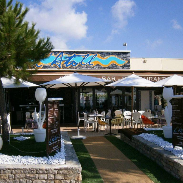 Terrasse du restaurant People L'atoll