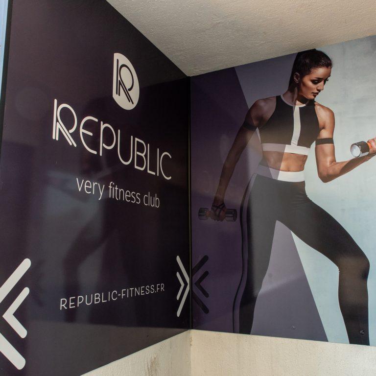 Affiche de la salle de fitness Republic